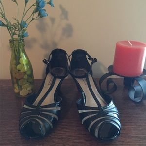 Laura Scott patent dress shoes